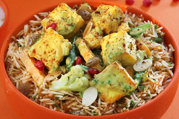 Lucknawi Paneer-Vegetable Dum Biriyani